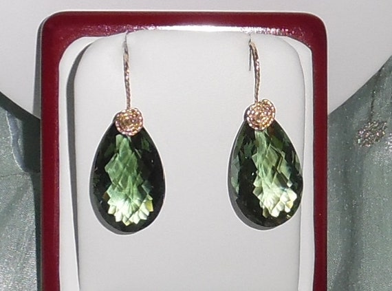 39cts Natural Pear Green Amethyst gemstones, 14kt yellow gold Pierced Earrings