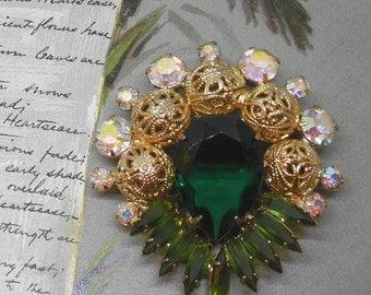 JULIANA Emerald Green Navette & Filigree Ball Brooch - Verified    MY30