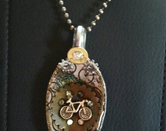 Steampunk Pendant, Bicycle and Gear,  Resin spoon pendant,  spoon jewelry, Spoon pendant, Spoon art, Resin Jewelry, Spoon Necklace, Bicycle