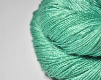 Green sea - Merino/Silk Fingering Yarn Superwash