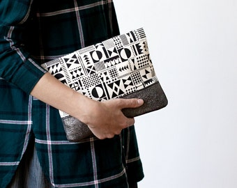 LAST ONE Geometric Pattern Leather Pouch black grey No.  ZP-5101