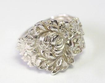 RARE Antique Sterling Silver Ring- Chrysanthemum