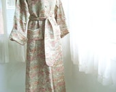 Beautiful Asian Brocade Dressing Gown, Chinese Robe, Size Medium