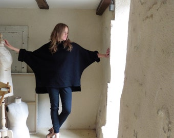 Black Tunic in Boiled Wool - Raglan Wide Sleeves - Slouchy and Warm.