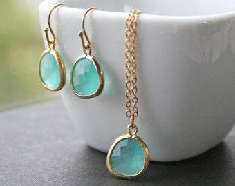 Mint Necklaces. Gold Mint Necklace. Mint Green. Seafoam. Wedding Necklace.Bridesmaid Necklace. Bridal Jewelry. Aqua Blue Aquamarine. Simple