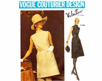 Vintage Valentino Vogue Couturier Design Sewing Pattern 1970s Semi fitted mod A line dress Size 14 bust 36