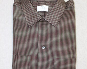 vintage 1950's -Van Heusen 'Vantage'- Men's long sleeve shirt w/ button loop collar. 'New Old Stock' Micro grid - All Cotton. Large