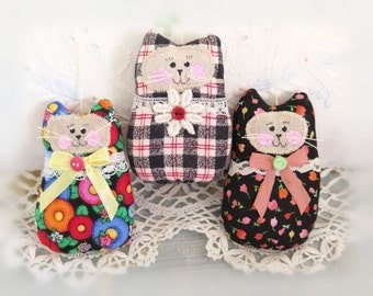 Cat Ornaments Set of  3 Black Florals and Plaid Birthday Gift Ornies Bowl Fillers Party Favors Decorations Home Decor CharlotteStyle