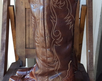 ACME    ///     Cowgirl Boots