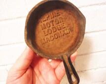 Cast iron pan ashtray Georgia souvenir Macon Alpine Motor Lodge novelty shabby vintage mid century kitsch