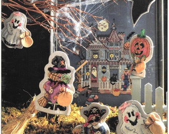 Happy Hauntings Halloween Cross Stitch Finger Puppets, Haunted House Banner Pattern, Trick or Treat Witch, Ghost, Buccaneer, Pumpkin Puppets