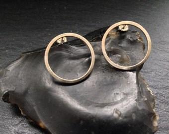 Minimal Circle Earrings - Sterling Silver