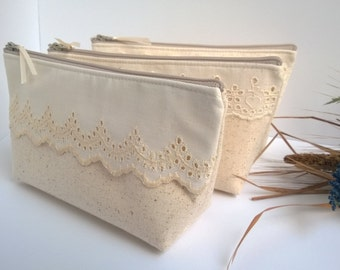 Bridesmaid Clutches, Lace Clutches, Ivory, Linen, Bridesmaids Gift, Lace Wedding - Set of 5