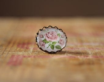 Light pink glass rose brooch -pastel pink English roses - baby pink brooches  jewellery cabochon - vintage style - pretty floral summer