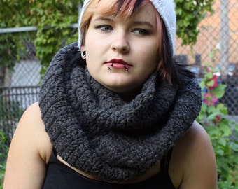 Mysterious Traveler Scarf