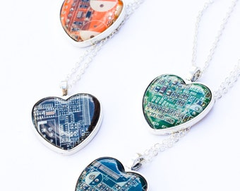 Geeky heart necklace - Circuit board necklace - recycled - recomputing