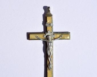 Edwardian Crucifix Mother of Pearl INRI Iesvs Nazarenvs Rex Ivdaeorvm Vintage Relgion Vintage Medallion Vintage Crucifix Vintage Worship