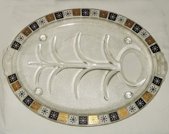 Vintage 1960s Meat Platter, Inland Glass. Snowflake Pattern