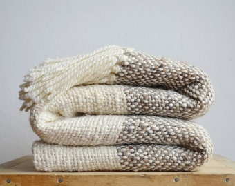 Raw wool striped blanket Grey & Ecru, Chunky knit  blanket throw, Woven Organic Undyed wool sheep