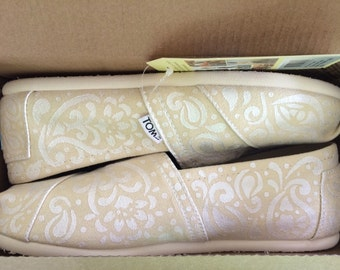 Paisley Print Painted Wedding TOMS