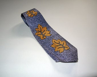 Vintage 40s tie cravat / 1940s rayon necktie / swing lindy / gray yellow leaf pattern / wide shorty