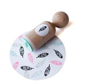Feather Mini Stamp. Feather rubber ink stamp, made with mint rubber - natural wedding - diy - wood mounted feather stamp -