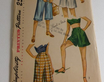 Antique Simplicity Pattern 2853 Pedal Pushers and Short Waist Size 23 1/2 Inches  Factory Fold