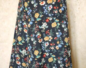 Vintage 1970s floral print skirt