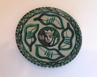 Danish Hand Painted King Decorative Plate Studio Pottery Daller Denmark 48 Scandinavian Collectible Stoneware Green Gray