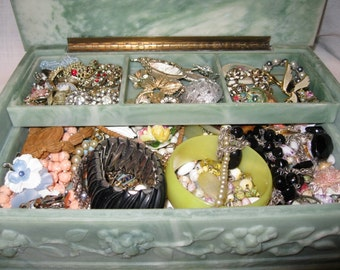 Inoclay Jewelry Box with Removable Tray Full of Vintage Pieces