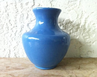 Rare Camark Pottery ! Brilliant Blue Glazed Classic Vase, Glossy Medium Blue Glaze, Famous Maker, Vintage American Art Pottery FREE SHIPPING