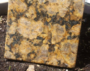 Cauldron Stone - Giallo Florito (granite)