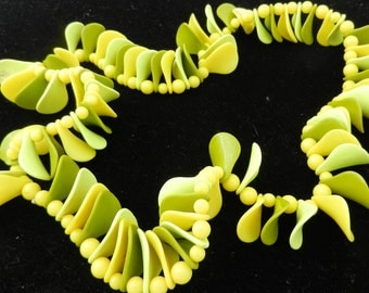 Necklace Mid Cerntury Lime Green