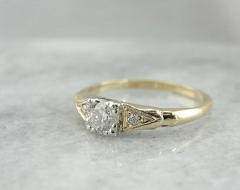 Sweet and Sparkly Vintage Diamond Engagement Ring M6D6V5-P