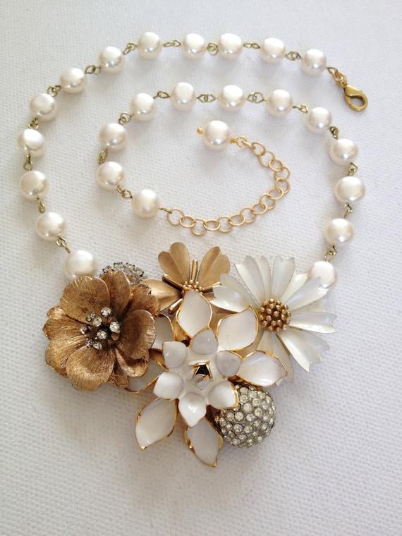 Vintage enamel flower necklace cream ivory by for Vintage sites like etsy
