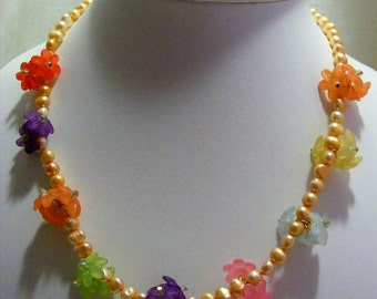 Lucite Flower and Freshwater Pearl Jewellery Set