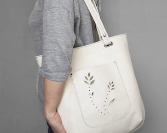 Leather tote bag. Off-white leather shoulder bag.