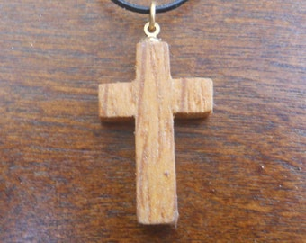 Wood Cross Necklace (k)