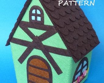PDF pattern to make a felt house.