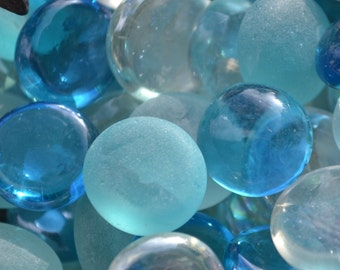 "Mixed Clear and Frosted Blue and White Flat Glass Marbles (apx 3/4"") 