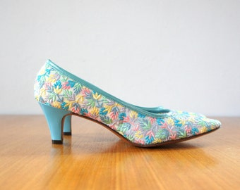 60s pastel floral embroidered heels | 8