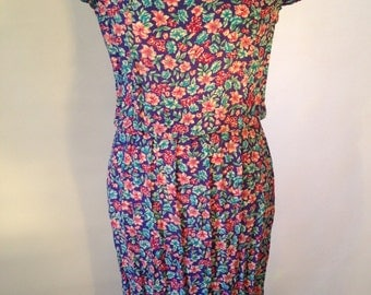 Karin Stevens Floral Dress // Designer Clothing // Size 12 //Vintage // 1970s Dress