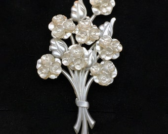1940s Floral Brooch - Vintage WWII Era Bouquet Pin in Pearlescent Hard Plastic