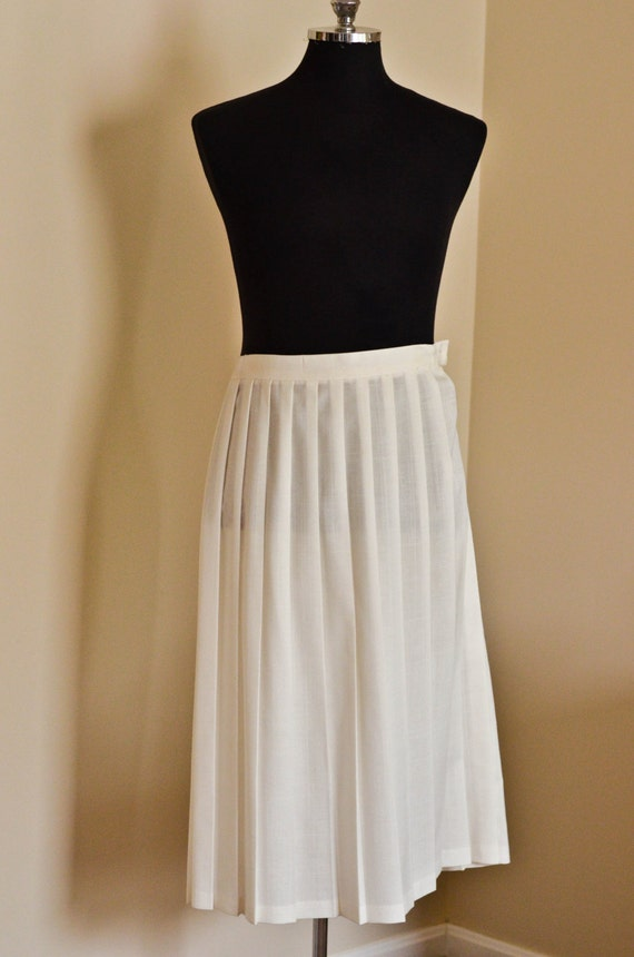 sale 25 vintage 80s white accordion skirt by