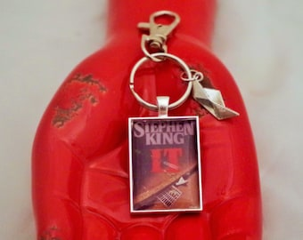 IT book jacket Stephen King key chain/purse pull/backpack pull