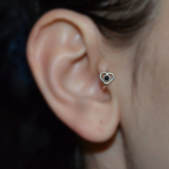 Tragus Earring - Silver Heart Nose Hoop - Helix Earring - Rook Earring - 2mm Onyx Tragus Jewelry 16g - Cartilage Piercing - Nose Ring