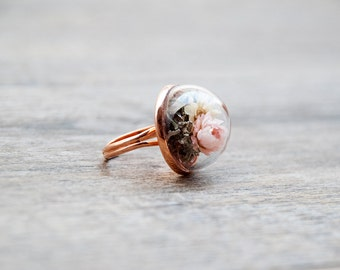 Real flowers ring, terrarium, rose gold terrarium, dried flower, real moss, glass vial, romantic jewelry, gift for woman, preserved nature