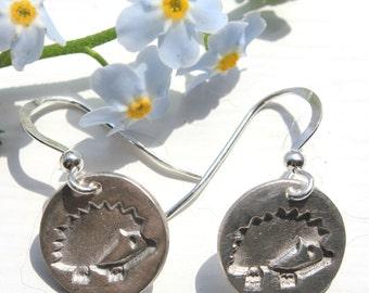 Hedgehog earrings, silver hedgehog earrings, igel, egel, hedgehog charm, handmade recycled silver nature jewellery, hedgehog jewellery