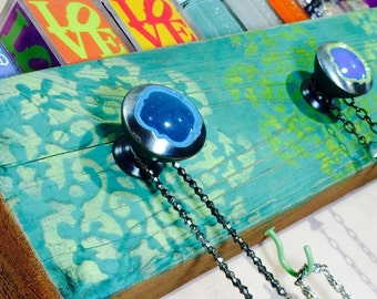Necklace holder jewelry hanger /reclaimed wood wall hanging organizer jewellry storage decor wall rack morrocan mandalas 5 knobs 4 hooks