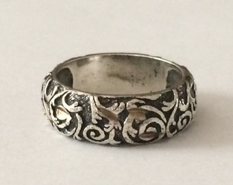 Size 7 Relios Engraved Sterling Silver Ring